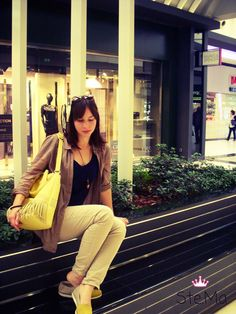 World Street, Fashion Shoot, Street Styles, Crushes, Yellow, Outfits, Tall Clothing, Street Style, Clothing