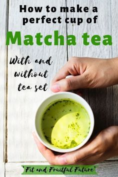 Matcha green tea has many great benefits for body and mind. But preparing a cup is not as easy as throwing a bag in a cup and pouring hot water over it. There is actually a bit of an art to it. And if you do it wrong, it will affect both the taste and … Matcha Green Tea Benefits, Best Matcha Tea, Matcha Green Tea Latte, Matcha Drink, Matcha Cake, Healthy Eating Quotes, Eating Healthy, Healthy Living, How To Make Matcha