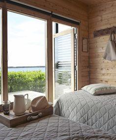 Saaristomökissä sisustuksen juju löytyy ikkunan takaa – näihin upeisiin kesäkoteihin ihastut! | Meillä kotona