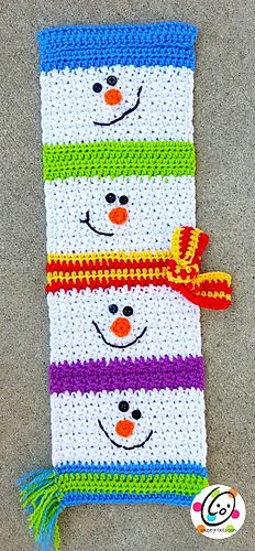 Ravelry: Build a Holiday Flag pattern by Heidi Yates Inspiration for a scarf Holiday Crochet, Crochet Gifts, Cute Crochet, Crochet For Kids, Yarn Projects, Knitting Projects, Crochet Projects, Crochet Snowman, Crochet Quilt