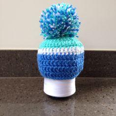 Newborn oversized bobble hat