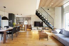 黒のスケルトン階段はスタイリッシュなデザインです。 スケルトン階段は圧迫感がなくおしゃれにみえることから、リビングにはスケルトン階段を採用されることが多いです。 My Room, Conference Room, Living Room, Interior, Architects, Table, House, Furniture, Space