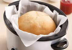 Miche de pain à la mijoteuse Calories, Bread Recipes, Crockpot, Muffin, Dairy, Food And Drink, Cheese, Cooker Recipes, Slow Cooker Bread
