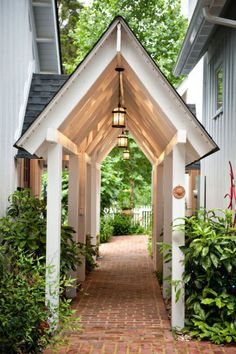 coffeepearlsandpoetry: enchanting portico /breezeway. This wold be lovely between the house and detached garage.