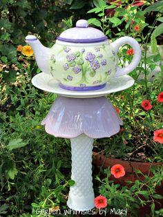 Teapot garden stake