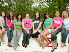 Do you like a different sorority than your friends? It is understandable that you would want to be in the same sorority as your friends, but don't let their decision affect yours. Stay true to yourself! Kappa Alpha Theta, Pi Beta Phi, Delta Zeta, Sigma Tau, Sorority Recruitment, Sorority And Fraternity, Sorority Life, Panhellenic Council, Her Campus
