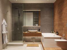 Modern, természetes lakberendezés fiatalok új kétszobás, 72m2-es lakásában - nagy gardrób-, kényelmes fürdőszoba - Lakberendezés trendMagazin