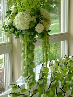 green apple centerpiece and favors