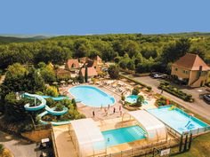 Yelloh! Village Lascaux Vacances - Un domaine calme et verdoyant à proximité des grottes de Lascaux, des châteaux de la Dordogne, et où vous profiterez de la célèbre gastronomie du Périgord. Plus d'infos : http://www.yellohvillage.fr/camping/lascaux_vacances