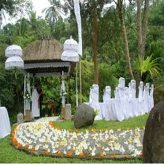 Four Outdoor Wedding Decorations