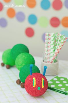 Well for today's craft, I'm sharing how to make a The Very Hungry Caterpillar Birthday Centerpiece. I'm so excited to share this with all those Hungry Caterpillar fans out there!! Especially people looking for kids birthday ideas.