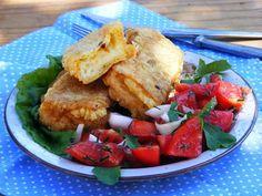 Makacska konyhája: Rántott juhsajt kapros paradicsomsalátával