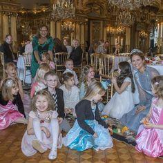 """""""Prinsessan Madeleine och Min Stora Dag bjöd in till sagokalas på Kungliga slottet. Stiftelsen Min Stora Dags vision är: """"Alla barn med svåra sjukdomar i…"""""""