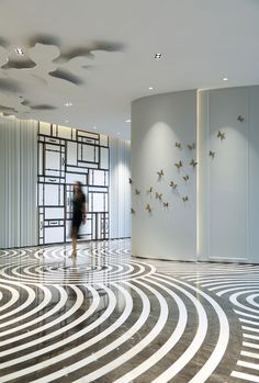 Hall Interior, Room Interior Design, Living Room Interior, Luxury Interior, Interior And Exterior, Floor Patterns, Tile Patterns, Feature Wall Design, Lobby Design