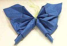 Le papillonFaites rêvez vos convives et créez une décoration de table féérique avecce pliage de serviette en papillon, qui sera également une bonne idée pour un goûter d'anniversaire.Niveau : facile