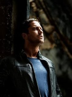 Pictures of Gerard you Love | Weirdly Obsessive Gerard Butler Message Board