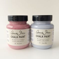 On the blog how to dye fabric with chalk paint and get a watercolour effect. Amid to the Pantone colours of the year too.