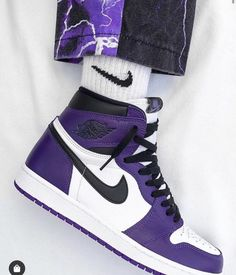 Jordan 1 Retro High For only € -Orders: www. Dr Shoes, Cute Nike Shoes, Swag Shoes, Cute Sneakers, Nike Air Shoes, Hype Shoes, Sneakers Nike, Purple Sneakers, Girls Shoes