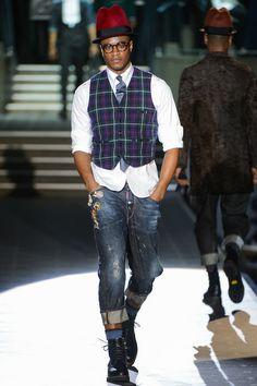 Talvi, samoin kuin tumma kesä, keräävät katseita pukeutuneena esimerkiksi näin. GQ: Dsquared2 Men's Fall 2013