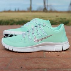 Nike sparkle shoes! Love♥♥