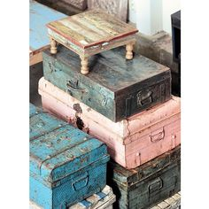 Home Decor Diy Ideas one Home Decorators Collection Java Hickory or Home Decor Stores Jonesboro Ar & Home Decorators Collection Kensgrove Shabby Chic Vintage Bedroom Furniture Old Trunks, Vintage Trunks, Antique Trunks, Vintage Suitcases, Vintage Luggage, Vintage Love, Vintage Decor, Vintage Pink, Do It Yourself Design