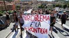 Le Figaro - A la frontière franco-italienne le 7 août dernier. La banderole indique: «le problème, c'est la frontière».