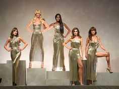 If you were wondering who was going to give Milan Fashion Week its most epic runway model moment, the question has been answered. At Versace's Spring 2018 show, Donatella shut it all down with a supermodel reunion of epic proportions. By bringing back Cindy Crawford, Naomi Campbell, Claudia Schiffer,