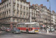 En descendant la rue Jean-Jacques-Rousseau dans les années 1960
