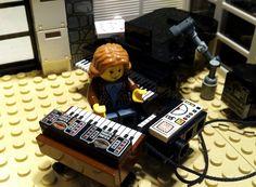 ECM時代のパット・メセニーのレコーディングセッションをLEGOで再現した「Jazz Studio Session (ECM Records)」が話題に - amass