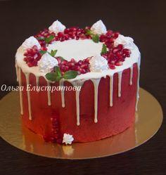 Кремовый торт с гранатовым декором)