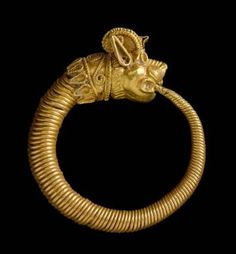 Hoop earring with head of lion-griffin. Greek, Early Hellenistic Period, 320–200 B.C.