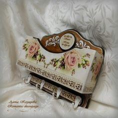 Фотографії Алёни Козыревої Cigar Box Art, Decoupage Furniture, Mosaic Madness, Decoupage Vintage, Casket, Vintage Wood, Wood Carving, Wood Projects, Crates