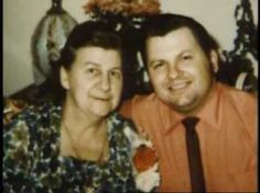 Gacy with his mother, Marion of murderers