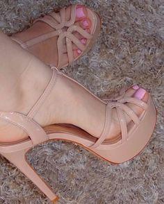 high heels – High Heels Daily Heels, stilettos and women's Shoes Sexy Legs And Heels, Hot High Heels, Platform High Heels, Pretty Shoes, Cute Shoes, Stilettos, Pumps, Talons Sexy, High Heels Plateau