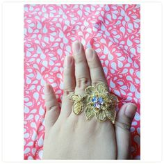 Gold lace flower ring