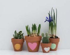 Un pot de fleurs à customiser avec les enfants