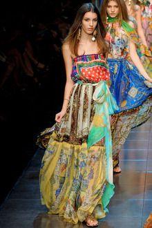 スカーフを纏って出かけよう!/ D&G〜エルメス|モードを愛する40代主婦、LuLuの日々。|ファッション、コレクション最新情報|VOGUE