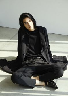 Beautiful Men, Beautiful People, Male Pose Reference, Japanese Boy, Cute Japanese Guys, Boys Long Hairstyles, Body Poses, Mode Outfits, Pretty Boys