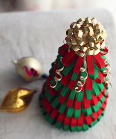 Craft Project: How To Make A Ribbon Christmas Tree – a creative yarn Christmas Tree Yarn, Fabric Christmas Ornaments, Christmas Favors, Christmas Ribbon, Christmas Minis, Christmas Holidays, Navidad Diy, 242, Craft Sale