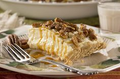 Caramel Pecan Cheesecake Pie