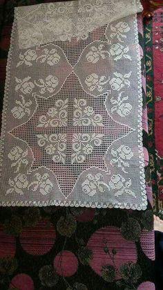 HUZUR SOKAĞI (Yaşamaya Değer Hobiler) Crochet Art, Love Crochet, Filet Crochet, Crochet Tablecloth, Crochet Doilies, Embroidery Patterns, Crochet Patterns, Tablerunners, Projects To Try