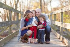 FAMILY photography ideas family of four laughing together in the autumn Family Portrait Poses, Family Picture Poses, Family Picture Outfits, Family Photo Sessions, Family Posing, Posing Families, Fall Family Portraits, Couple Outfits, Mini Sessions