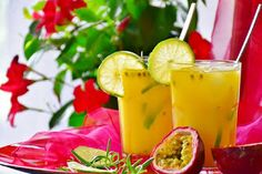Do you love the taste of passion fruit and want to try your hand at some Latin dishes using the ingredient? Here are 4 delicious passion fruit recipes. Healthy Juice Recipes, Healthy Juices, Healthy Snacks, Healthy Fruits, Healthy Eating, Tequila, Passionfruit Recipes, Cold Press Juicer, Juice Diet
