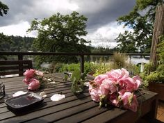 traditional landscape at Milwaukie Home, Oregon......beautiful....