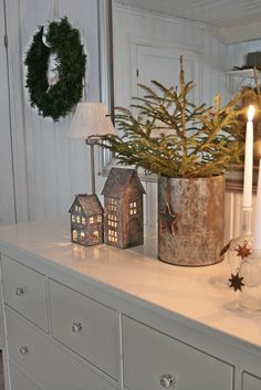 VIBEKE DESIGN: Small rustic house .. Nordic Christmas, Christmas Porch, Natural Christmas, Christmas Kitchen, Christmas Mood, Rustic Christmas, Christmas Crafts, New Years Decorations, Christmas Decorations