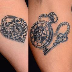 Creativos y Geniales Lock and Key Tattoo Lock and Key Tattoo 86 Key Tattoo Designs, Couples Tattoo Designs, Tattoo Couples, Couple Tattoos Unique Meaningful, Unique Tattoos, Lock Key Tattoos, Heart Lock Tattoo, Couple Tattoo Heart, Chain Tattoo