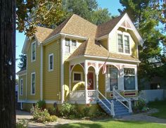 Pic of Victorian house colors exterior ideas - Painting a Victorian House Exterior Victorian Homes Exterior, Victorian Porch, Victorian Architecture, Beautiful Architecture, Beautiful Buildings, Beautiful Homes, Architecture Design, Victorian Houses, Abandoned Houses