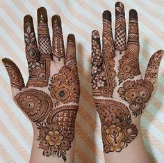 50 Most beautiful Chandigarh Mehndi Design (Chandigarh Henna Design) that you can apply on your Beautiful Hands and Body in daily life. Henna Hand Designs, Dulhan Mehndi Designs, Mehandi Designs, Mehndi Designs Finger, Latest Bridal Mehndi Designs, Legs Mehndi Design, Full Hand Mehndi Designs, Modern Mehndi Designs, Mehndi Designs For Beginners
