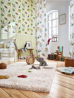 Divertidos papagayos,monos y leopardos es una de las últimas tendencias en papeles pintados para dormitorios infantiles https://papelvinilicoonline.com/es/195-esprit-kids-4