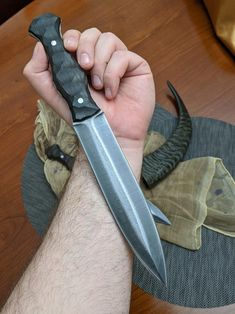 handmade hunting knife, bushcraft knife, gladius, hand forge… – About Hobby Sports Handmade Chef Knife, Handmade Knives, Bushcraft Knives, Tactical Knives, Cool Knives, Knives And Swords, Knife Template, Hand Forged Knife, D2 Steel